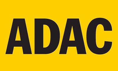 zeigt das Logo des ADAC